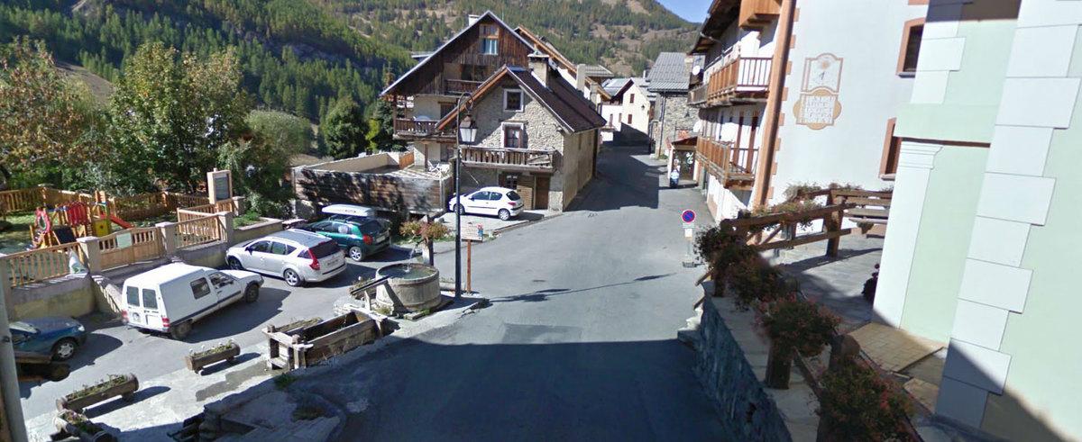 Fontaine de molines en queyras molines en queyras point d 39 eau potable pour cyclistes - Office de tourisme queyras ...