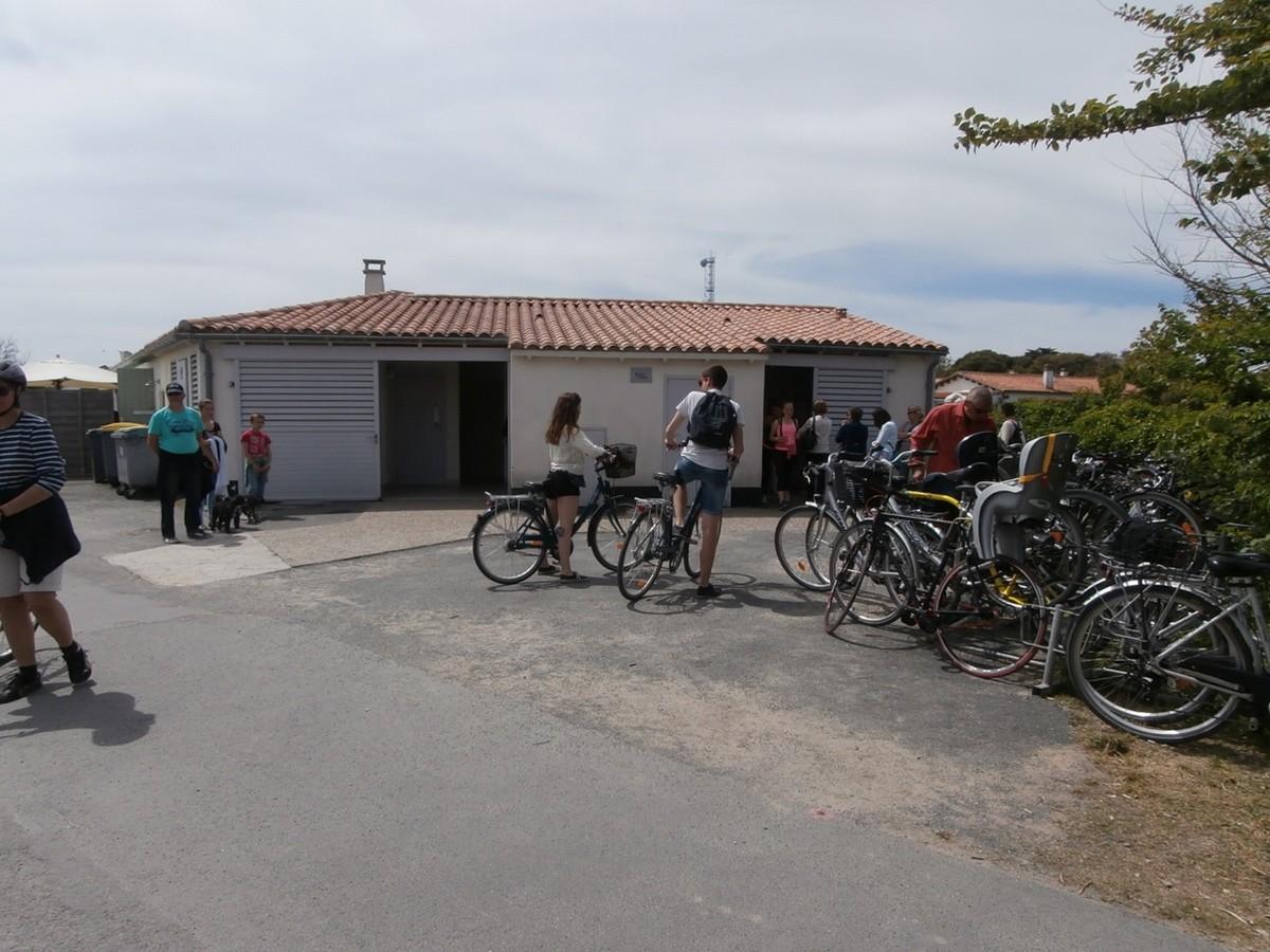 Toilettes publiques du phare de saint cl ment des baleines - Office du tourisme saint clement des baleines ...